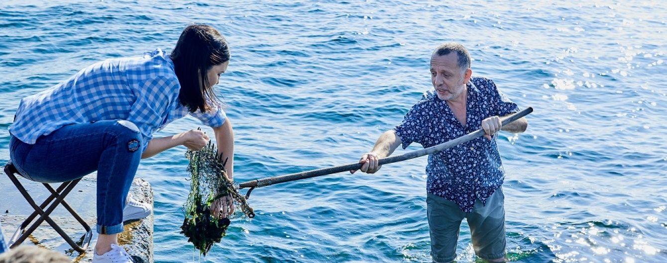 Лібкін та Барбір разом ловили мідії для приготування ризото на березі моря