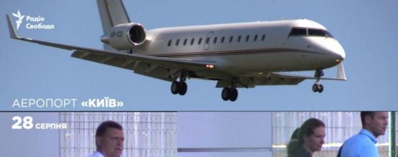 Приватні літаки та дорогі чартери. На чому літають українські політики