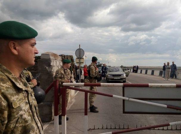 На Чонгарі відзначають річницю блокади анексованого Криму