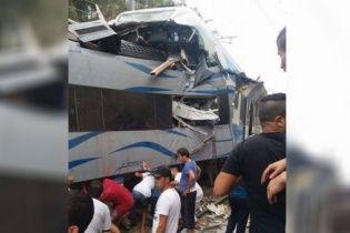 В Алжирі зіштовхнулися два поїзди: є загиблий та 72 поранених
