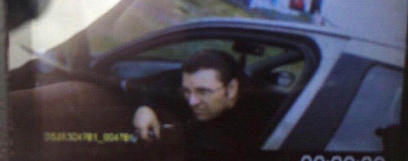 В Днепре убийца патрульных забаррикадировался в жилом доме - очевидец