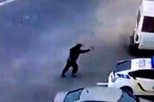В Сети появилось видео жестокого убийства полицейского в Днепре
