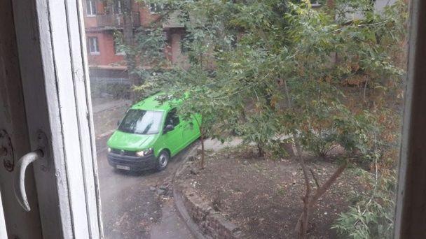 В Днепре правоохранители взяли штурмом квартиру, в которой мог быть убийца полицейских