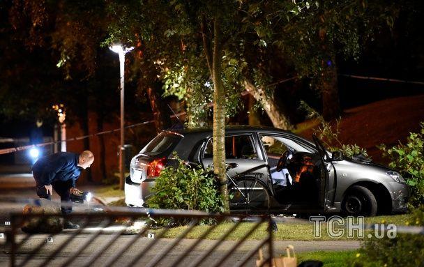 В Швеции из окна автомобиля устроили стрельбу по прохожим