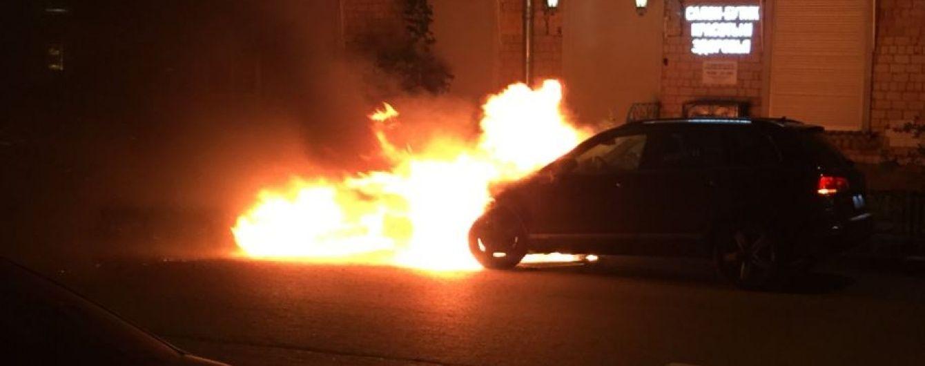Голові спільноти футбольних вболівальників Росії спалили авто