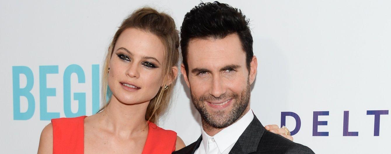 Соліст Maroon 5 розчулив зворушливим фото новонародженої доньки