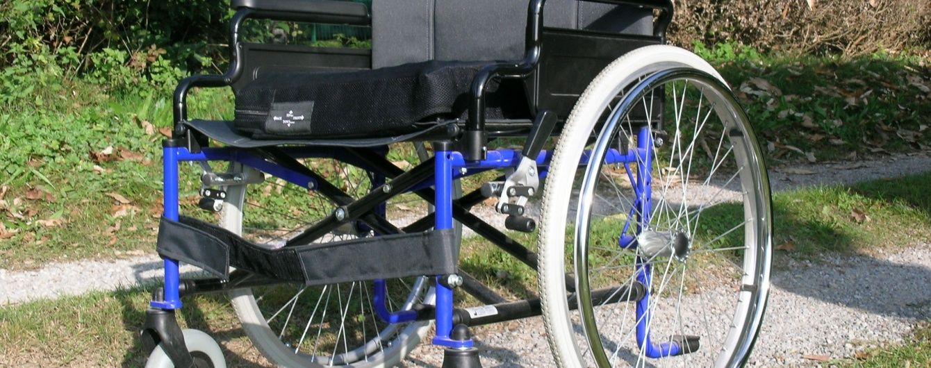 На Черниговщине водитель Lexus сбил насмерть инвалида в коляске