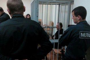 Ефремову продлили меру пресечения в виде содержания под стражей