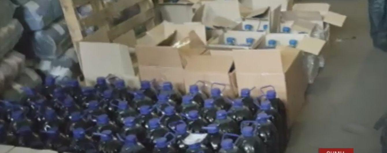 Налоговики в Сумах изъяли 5 тонн поддельного алкоголя