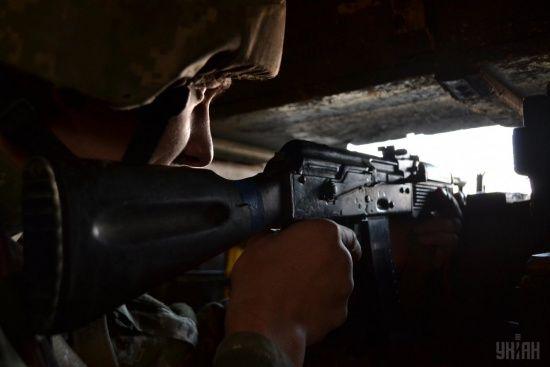 Українcькі бійці знищили дві вантажівки бойовиків з боєприпасами. Ситуація на Донбасі