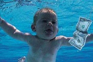 Малюк з обкладинки культового альбому Nirvana відтворив знамениту фотографію через 25 років