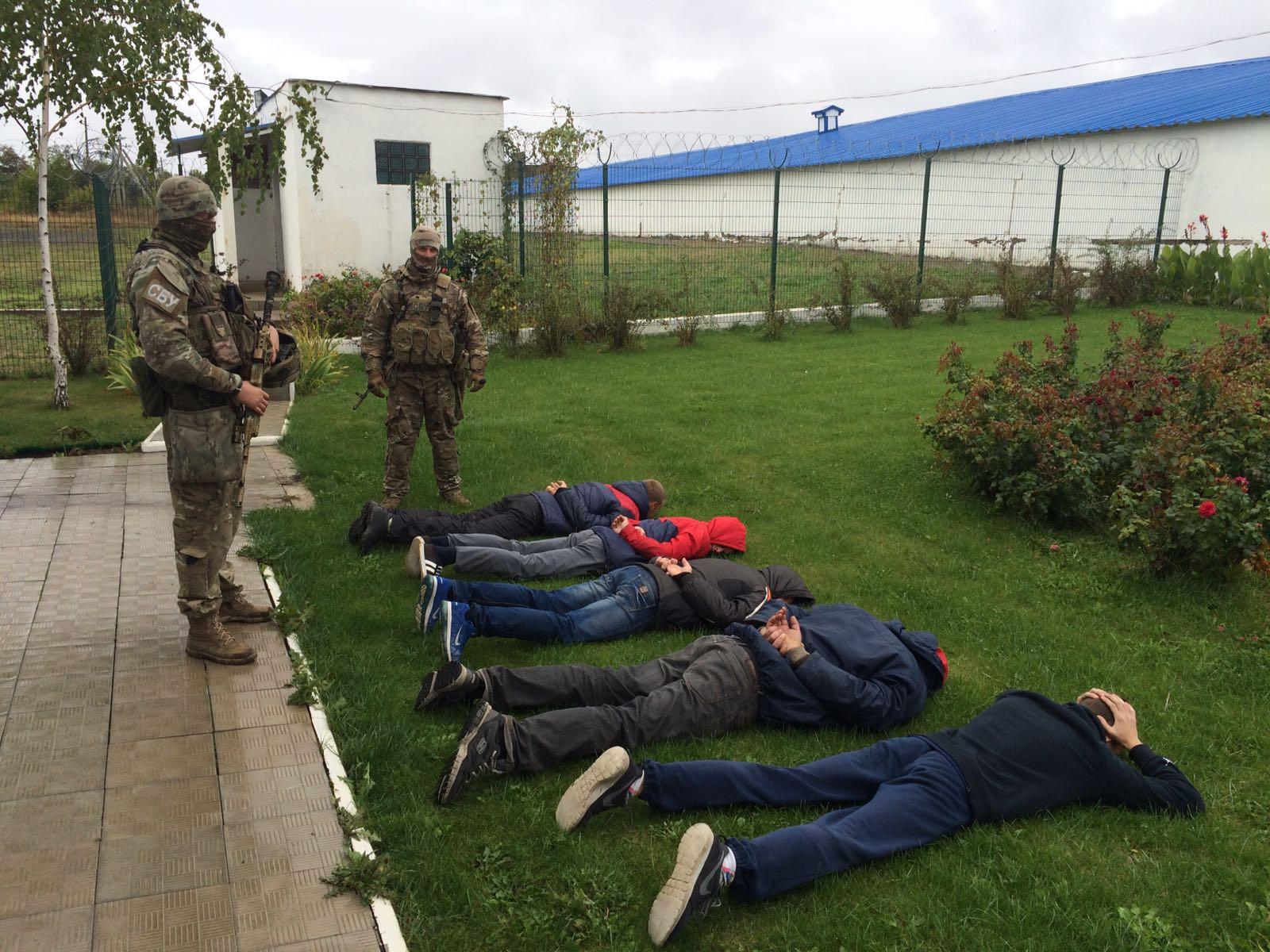 У Донецькій області затримано банду небезпечних рейдерів - СБУ_2
