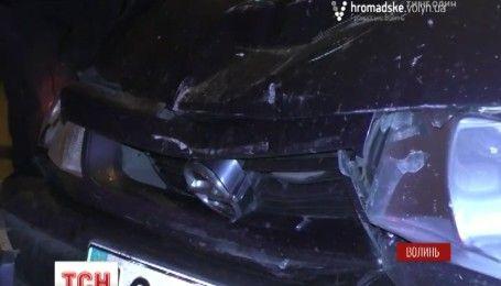В Луцьку автомобіль військового комісара в'їхав у таксі