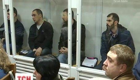 Підозрювані в розстрілах на Євромайдані екс-беркутівці проведуть за ґратами ще два місяці