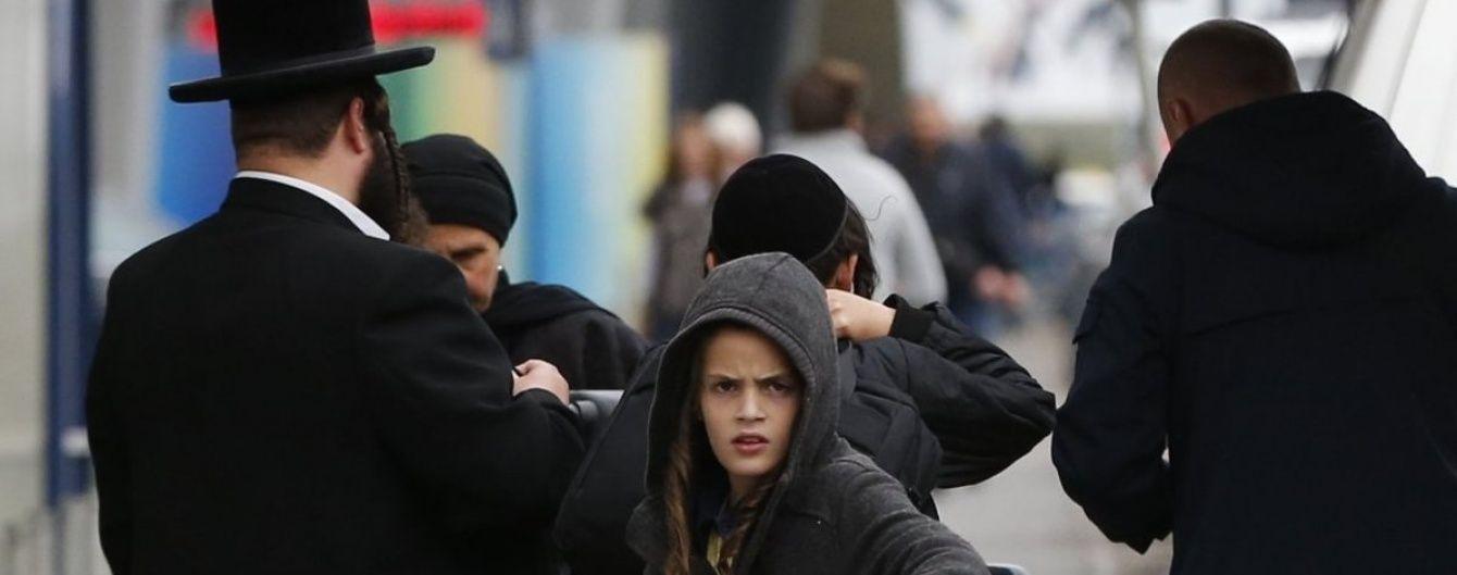Первые паломники-хасиды прилетели в Украину праздновать 5777-й новый год