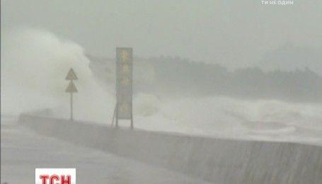 "Тайфун ""Меги"" переместился на земле Китая"