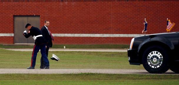 Самые яркие фото дня: герцогиня Кэтрин смакует суши, годовщина Революции зонтиков