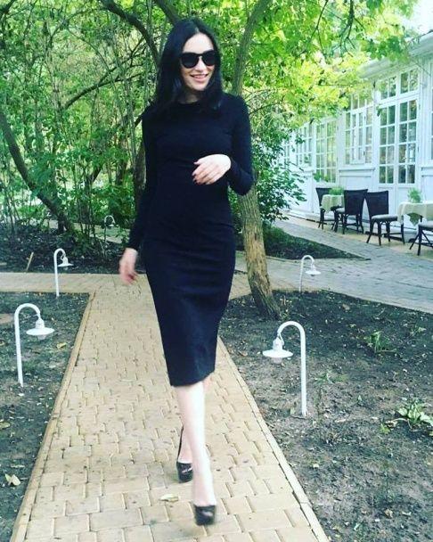 Струнка Приходько у сукні та на підборах розкрила секрет феноменального схуднення