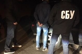 На Киевщине поймали патрульного-наркодилера