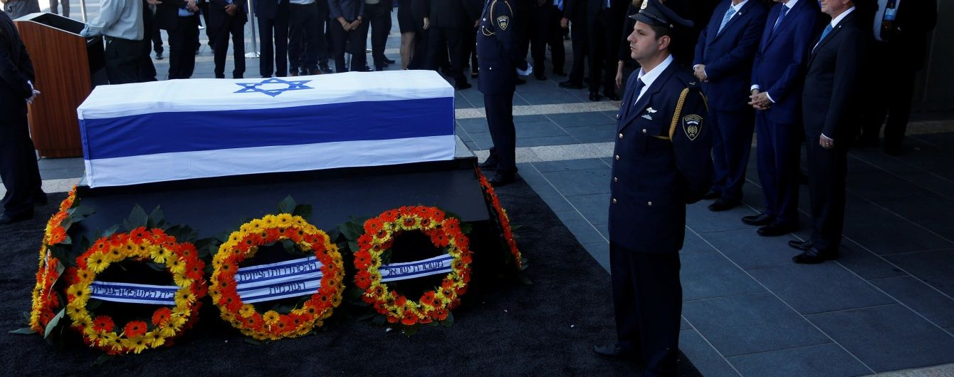 Порошенко полетить до Ізраїлю на похорон екс-президента Переса