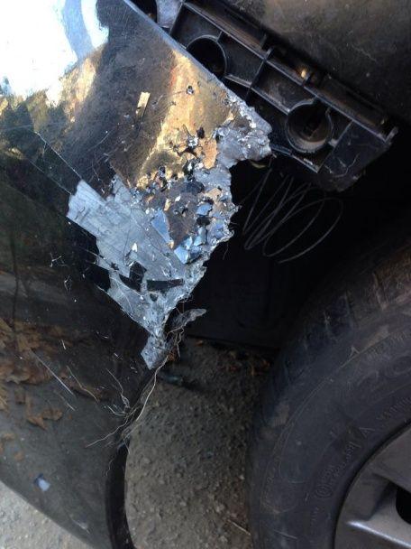 У Кропивницькому невідомі вночі понівечили авто місцевого депутата