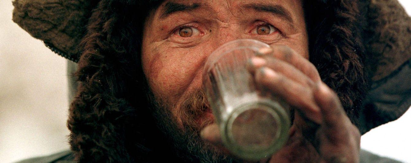 Метанол для вбивчого алкоголю до України завезли з Росії – ДФС