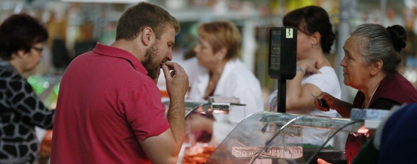 В Україні здешевшали гречка, курятина, олія та цукор. На решту продуктів ціни поповзли вгору