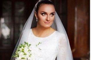 Новоиспеченная жена Елена Ваенга показала яркие фото с собственной свадьбы