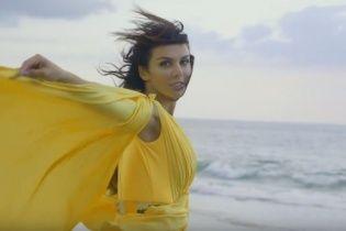 Седокова стала режиссером cобственного клипа на жизнеутверждающую композицию