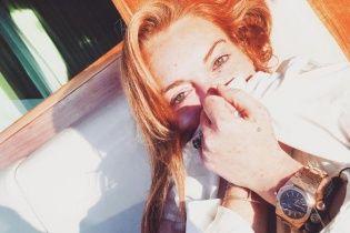 Линдси Лохан оторвало фалангу пальца во время катания на яхте