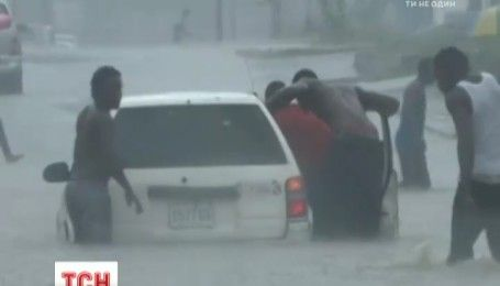 На Карибах из-за урагана эвакуировали 225 тысяч человек