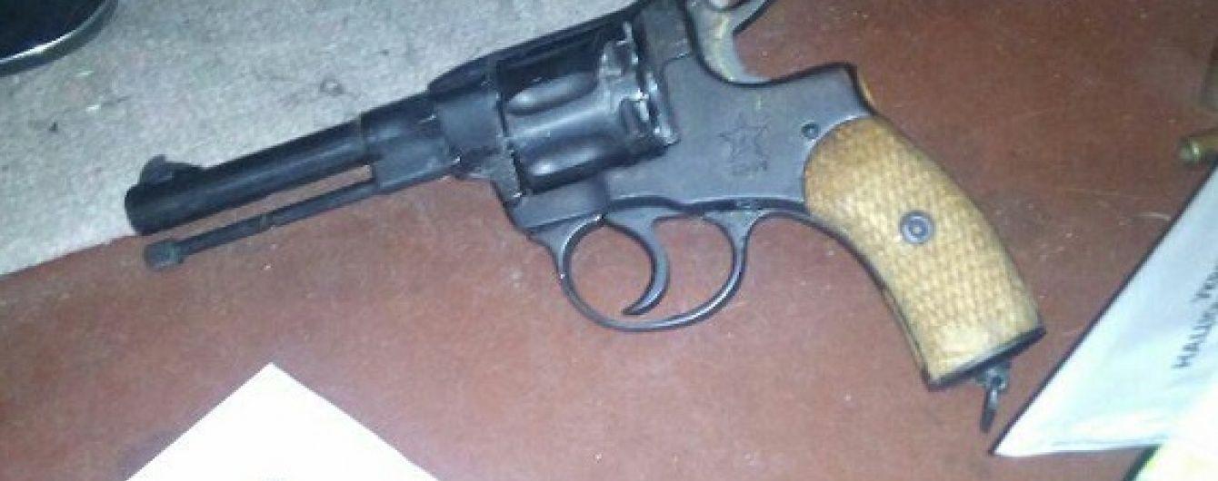 У Києві крадій влаштував стрілянину під час втечі