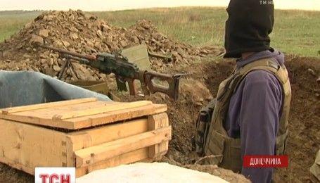 """Захисники селища Луганське ані дня не бачили режиму """"тиші"""" в дії"""