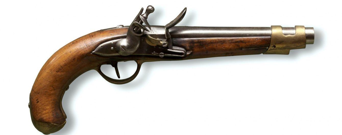 СБУ схопила і збирається судити виробника зброї з пластиліновими кулями