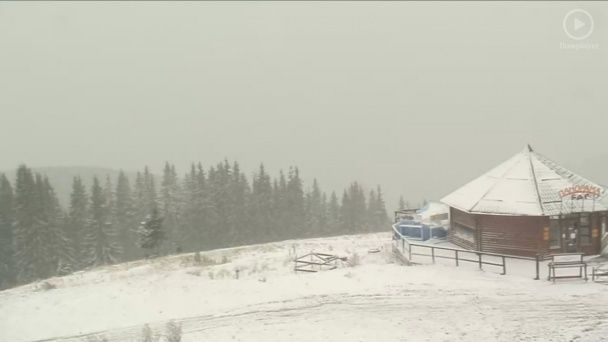 Зимняя сказка в октябре: Буковель обильно засыпало снегом