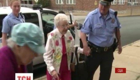 Поліція США затримала 102-річну бабусю на її власне прохання