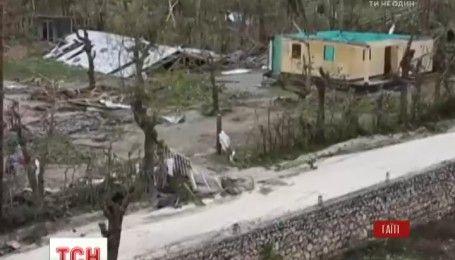 """Постраждалим від буревію """"Метью"""" на Гаїті не вистачає притулків"""