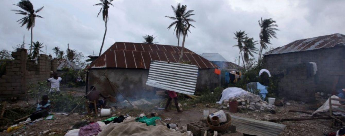 """Обама ввел чрезвычайное положение из-за разрушительного урагана """"Мэттью"""""""