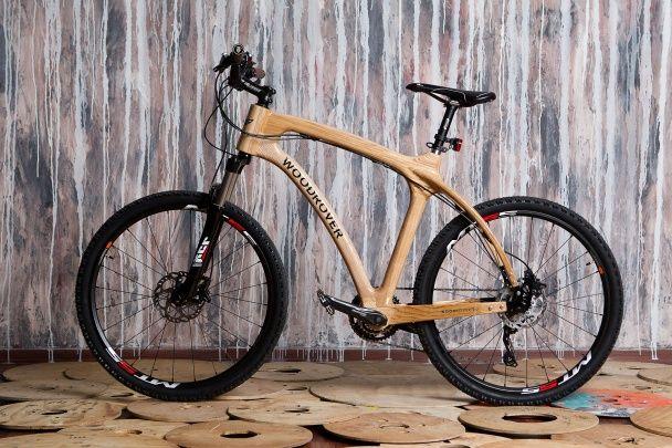 В Італії представили унікальний дерев'яний велосипед, вироблений в Україні