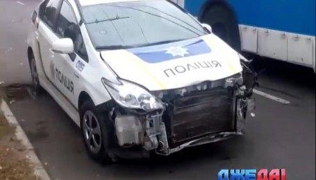 В Виннице погоня завершилась крушением полицейского Prius