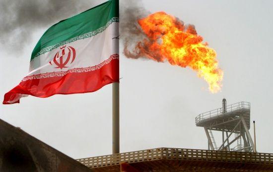 """В Иране заявили о создании """"отца всех бомб"""""""