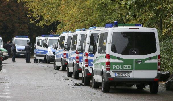 По результатам событий в Хемнице полиция ФРГ разыскивает 22-летнего сирийца