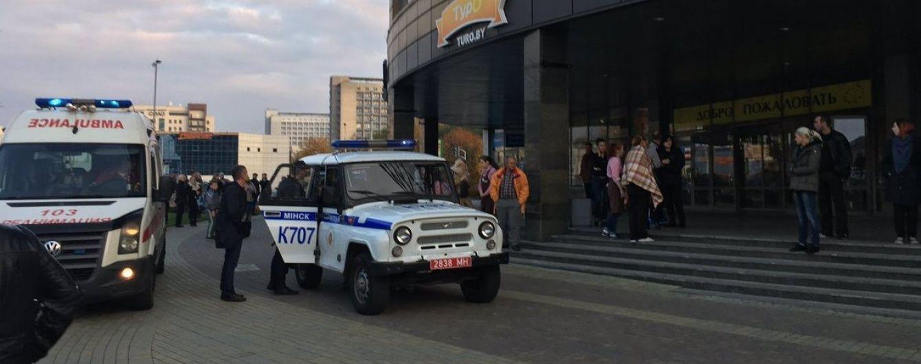 У Мінську в торговому центрі 17-річний хлопець бензопилою убив жінку