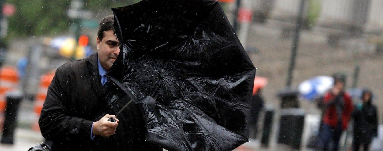 У неділю більшість областей України поливатимуть сильні дощі та грози