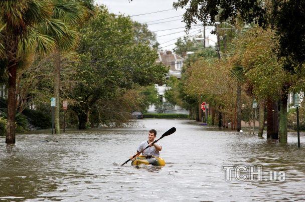 """""""Підводні парки"""" та вулиці-річки: як в США """"Метью"""" затопив історичний Чарльстон"""