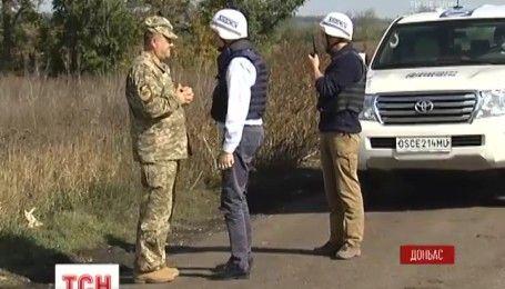 Чергове розведення сил на Донбасі викликало суперечки та підозри