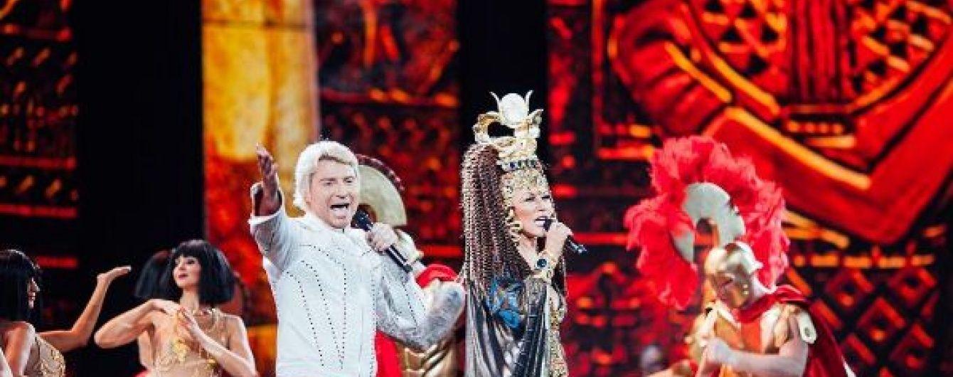 """Таисия Повалий в образе Клеопатры спела с """"императором"""" Басковым в Кремле"""