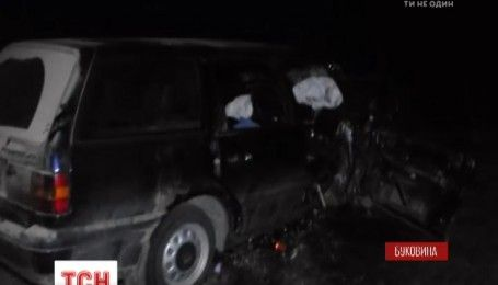 На Буковине после лобового столкновения автомобилей семь человек оказались в больнице