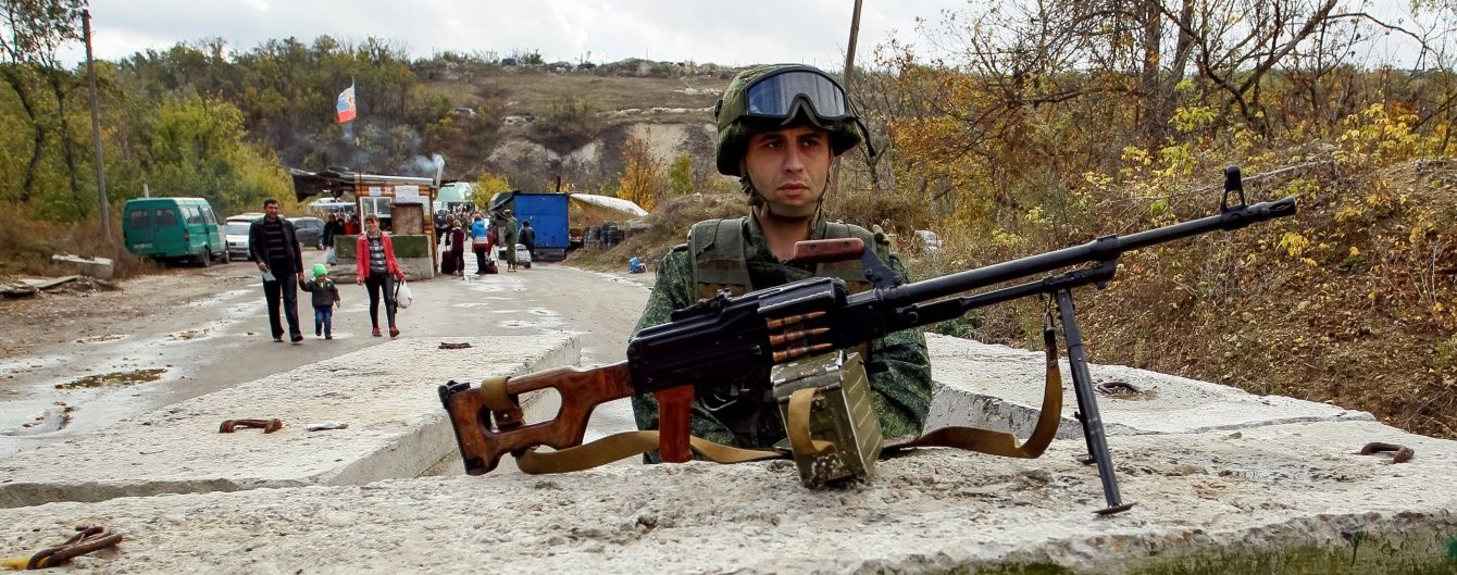 На Луганщине боевики стреляли из БТРов, но затаились на Донецком направлении. Дайджест АТО