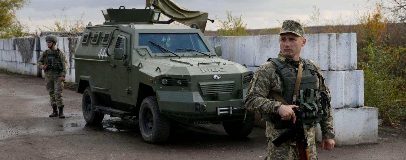 Боевики обстреливают украинские позиции из тяжелого вооружения. Дайджест АТО